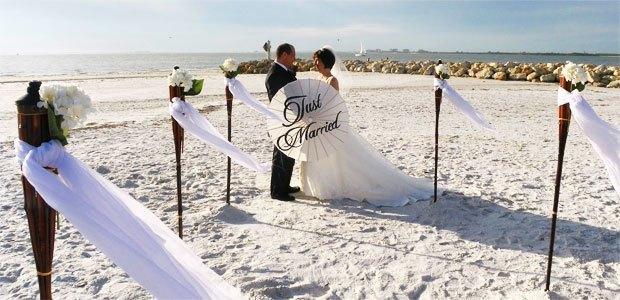Fort Myers Beach Weddings: Ft. Myers Beach (Bowditch Park)